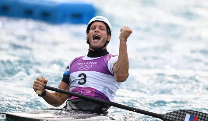 Словенец Беньямин Савсек стал олимпийским чемпионом в гребном слаломе