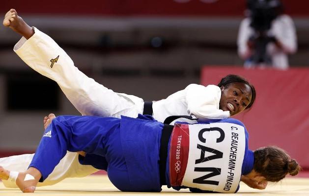 Японец Нагасе и француженка Агбеньену стали чемпионами олимпийского турнира по дзюдо