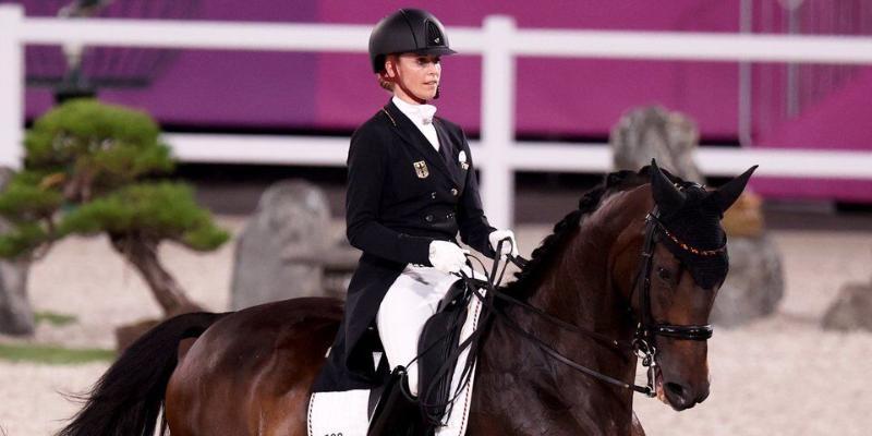 Germaniýaly Jessika won Bredow-Berndl atly ýöreme boýunça ýaryşda altyn medal gazandy