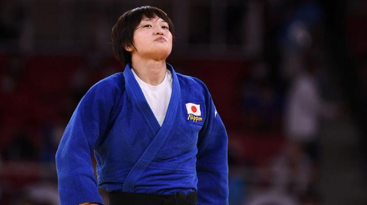 Японка Тидзуру Араи и грузин Лаша Бекаури выиграли золото олимпийского турнира по дзюдо