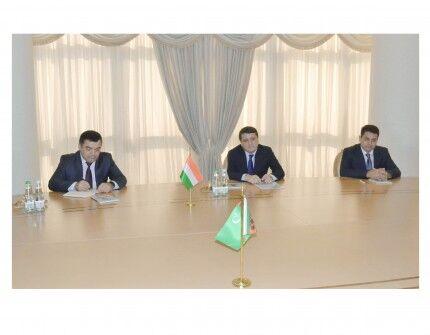 Türkmenistanyň we Täjigistanyň ministrleri Emomali Rahmonyň Türkmenistana saparyny maslahatlaşdylar
