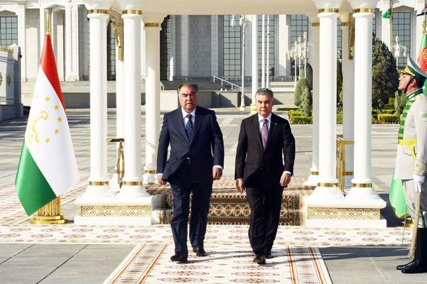 Туркменистан и Таджикистан подписали 19 документов о сотрудничестве