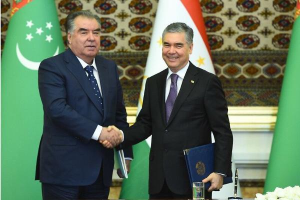Türkmen-täjik gepleşiklerinde Gurbanguly Berdimuhamedow täze teklipleri öňe sürdi