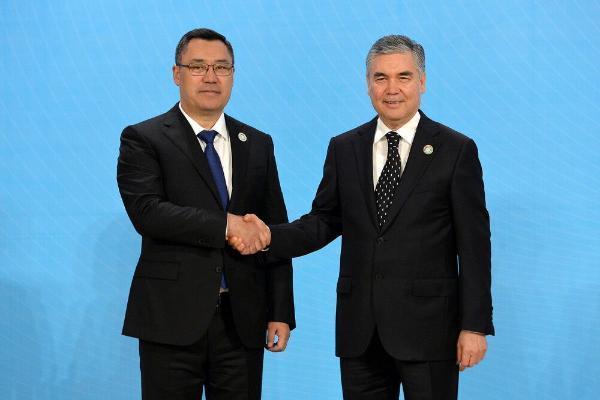 Президент Туркменистана обсудил с кыргызским коллегой вопросы экспорта природного газа и электроэнергии в Кыргызстан