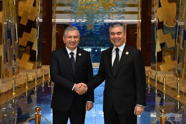 Лидеры Туркменистана и Узбекистана рассмотрели векторы развития двусторонних отношений