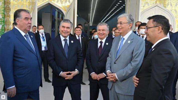 Türkmenbaşy portunda Merkezi Aziýa ýurtlarynyň milli önümleriniň halkara sergisi geçirildi