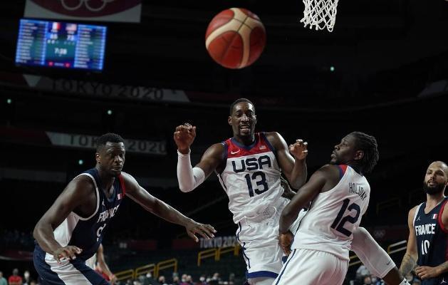 Американские баскетболисты в четвертый раз подряд завоевали золото Олимпийских игр