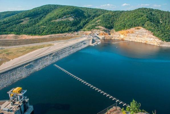 Бердымухамедов поздравил сограждан с запуском крупного водохозяйственного объекта