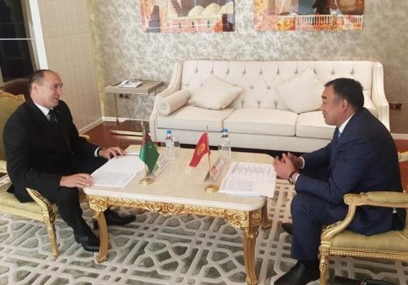 Türkmenistanyň we Gyrgyzystanyň IIM-niň ýolbaşçylary «Awazada» gepleşikleri geçirdiler