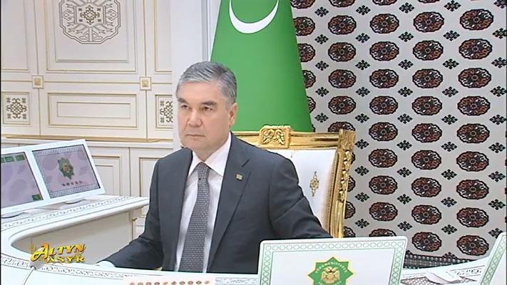 Türkmen Lideri «Fitch Ratings» agentliginiň Türkmenistana beren bahasyna kanagatlanma bildirdi