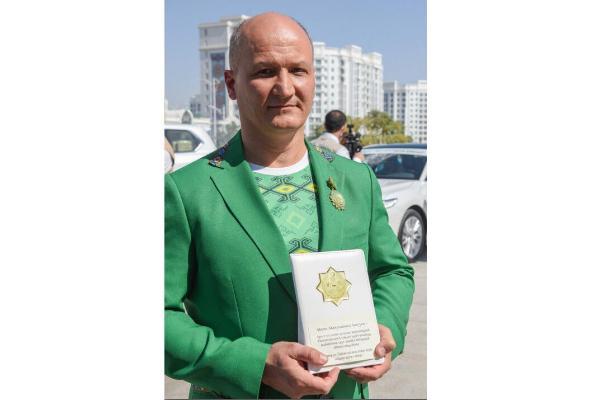 Первый тренер Полины Гурьевой удостоился ордена «За великую любовь к независимому Туркменистану»