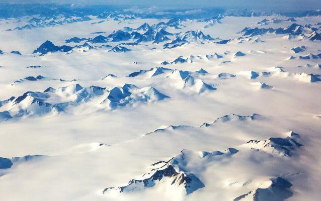 Grenlandiýa buzlugynda ilkinji gezek ýagyş ýagdy