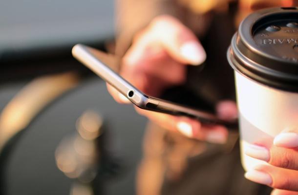 Эксперт рассказал о самой опасной уязвимости смартфонов