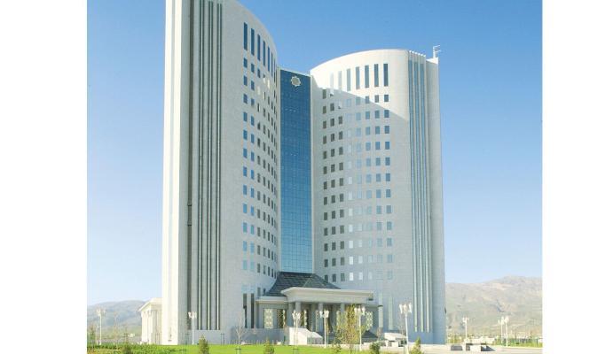 Türkmenistanyň bilim ministri düýpli kemçilikler üçin işden boşadyldy