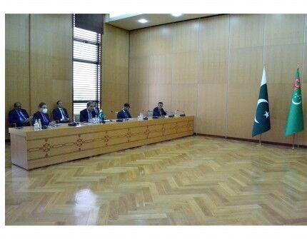 Raşid Meredow pakistanly kärdeşi bilen gepleşikleri geçirdi