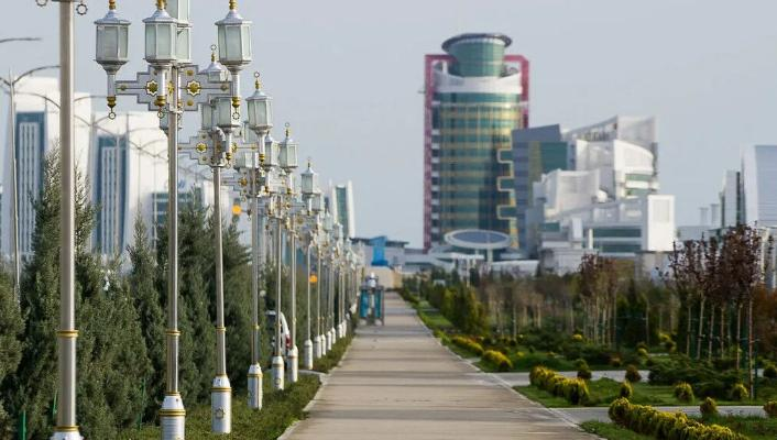 Türkmenistanyň Prezidenti Awaza etrabyna täze ýolbaşçylary belledi