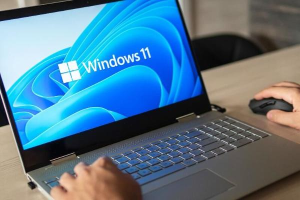 Microsoft Windows 11-i köne prosessorly kompýuterlere gurnamaga mümkinçilik berýär