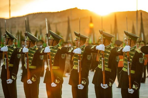 Президент Туркменистана подписал Указ о присвоении воинских званий