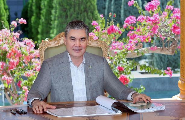 Türkmenistanyň Prezidenti bilim ulgamynyň wekillerini 1-nji sentýabr mynasybetli gutlady