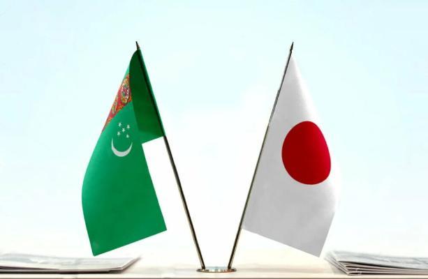 Вице-премьер С.Бердымухамедов провел встречу с Государственным министром Японии