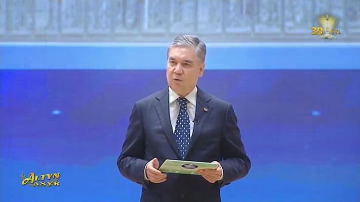 Gurbanguly Berdimuhamedow: «Türkmen ýaşlary hakyky türkmen bolup dünýä çykmalydyr»