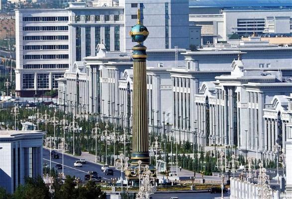 Türkmenistanyň täze Hökümet münberinde Merkezi Aziýada iň uly multimedia ekrany goýuldy