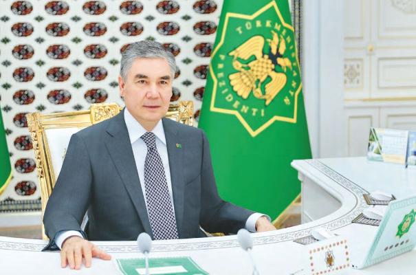 Türkmen Lideri sebitleriň ýolbaşçylary bilen iş maslahatyny geçirdi