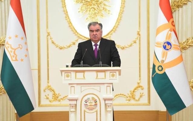 Президент Бердымухамедов поздравил Эмомали Рахмона с 30-летием независимости Таджикистана