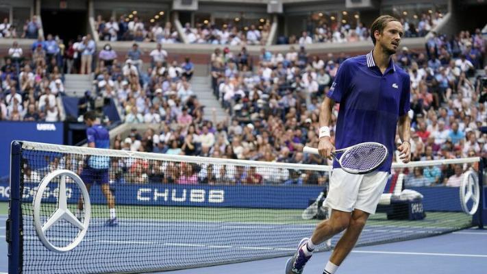 Medwedew US Open-de ýeňiji bolany üçin 2,5 million dollar gazandy