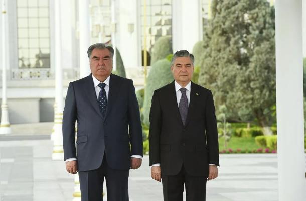 Berdimuhamedow we Rahmon Türkmenistanyň portlaryndan ýük daşamaklygy maslahatlaşdylar