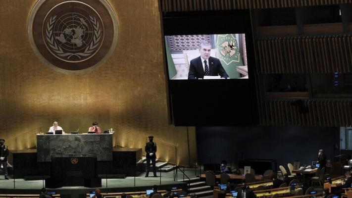 Президент Туркменистана призвал отбросить фобии и помочь Афганистану строить мирную жизнь
