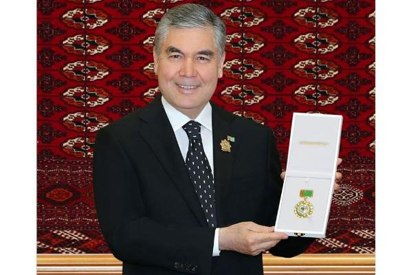 Berdimuhamedowa «Türkmenistanyň Garaşsyzlygynyň 30 ýyllygyna» atly ýubileý medaly gowşuryldy