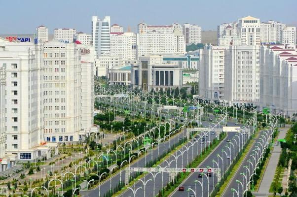 Türkmenistanda bahasy 37 milliard dollardan gowrak iri desgalaryň 2,5 müňe golaýy gurulýar