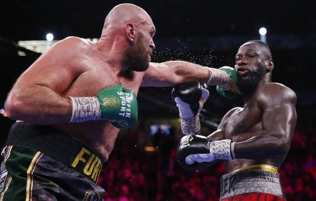 Fýuri üçünji söweşde Uaýlderi ýeňip, WBC boýunça dünýä çempiony titulyny gorady